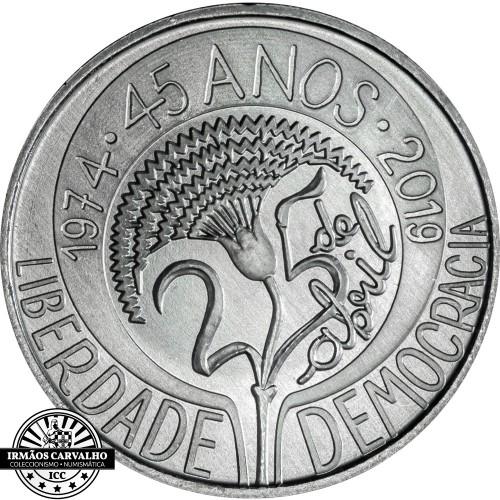 Portugal - 2019 5 Euro April 25